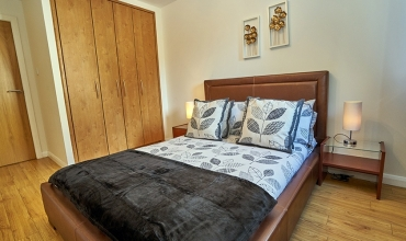 double-bedroom-edinburgh-lp202-01