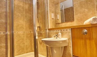 luxury-shower-room-edinburgh-lp228-01