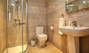 luxury-showerroom-dh68-01