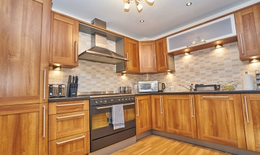 self-catering-edinburgh-kitchen-lp202-01