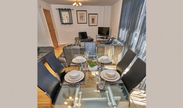 self-catering-living-area-tollcross-lp202-02