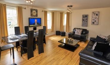 spacious-living-area-dg6-01