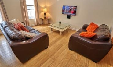 spacious-living-area-dg98-01