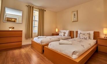 twin-bedroom-dg81-01