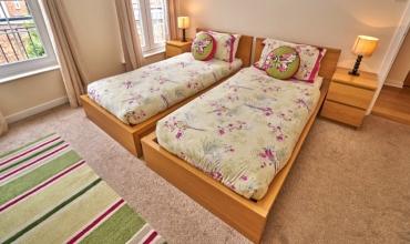 twin-bedroom-dg98-01