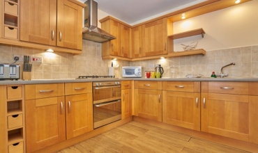 well-equipped-kitchen-dg98-01