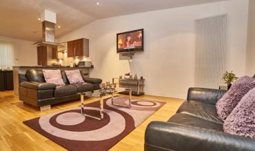 apartment-living-room-edinburgh-lp228-01