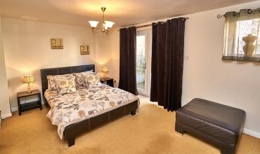 double-bedroom-lp242-01