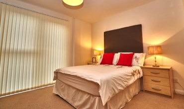 double-bedroom-self-catering-edinburgh-lp228-01