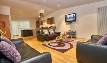 living-room-edinburgh-apartment-lp228-01
