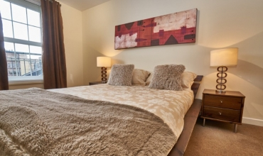luxury-double-bedroom-dg53-01