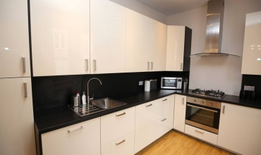modern-self-catering-kitchen-dh68-01