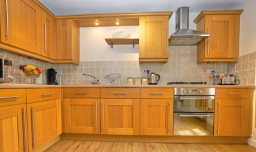spacious-kitchen-dg6-01