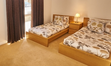 twin-bed-self-catering-lp242-02