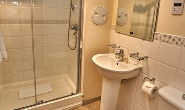 walk-in-shower-room-dg81-01